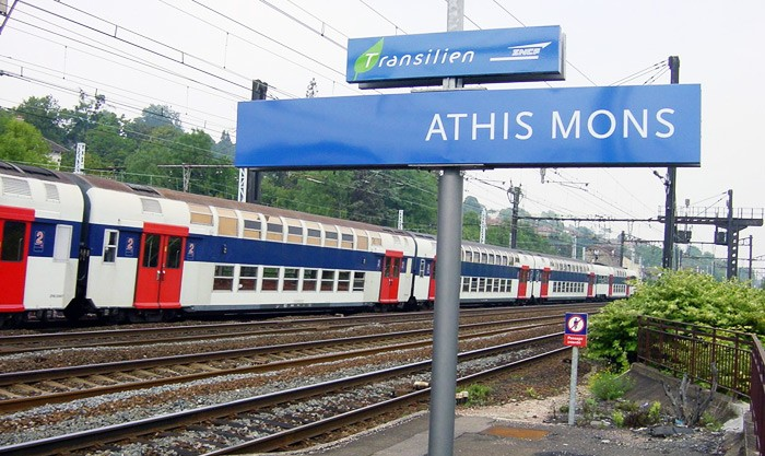 Parking de la Gare — Stationnement libre - Gare d'Athis-Mons