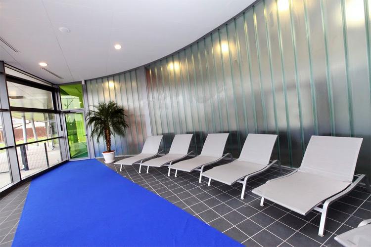 Centre aquatique la d couverte de l 39 espace bien tre for Piscine athis mons